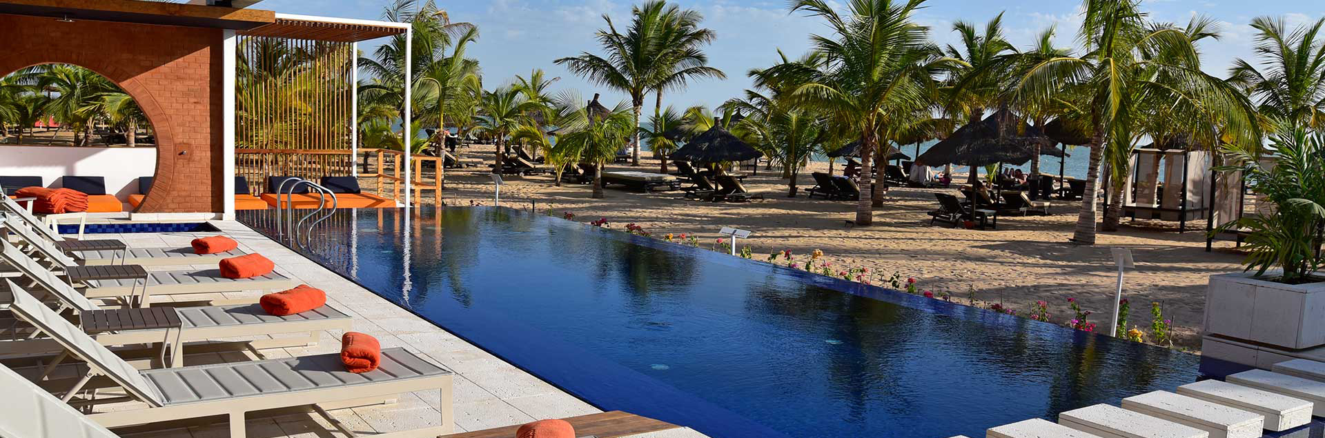 piscine plage hotel blue bay senegal 01